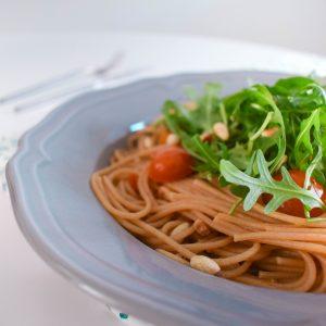 Vegetarische spaghetti met truffel en tomaatjes