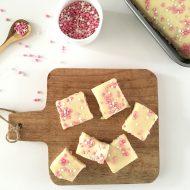 Witte chocolade fudge met roze muisjes