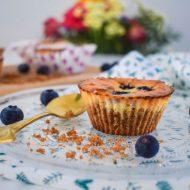 Mini cheesecakjes met witte chocolade en blauwe bessen