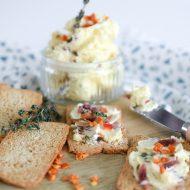 Voor bij de borrel: toastjes met ansjovisboter