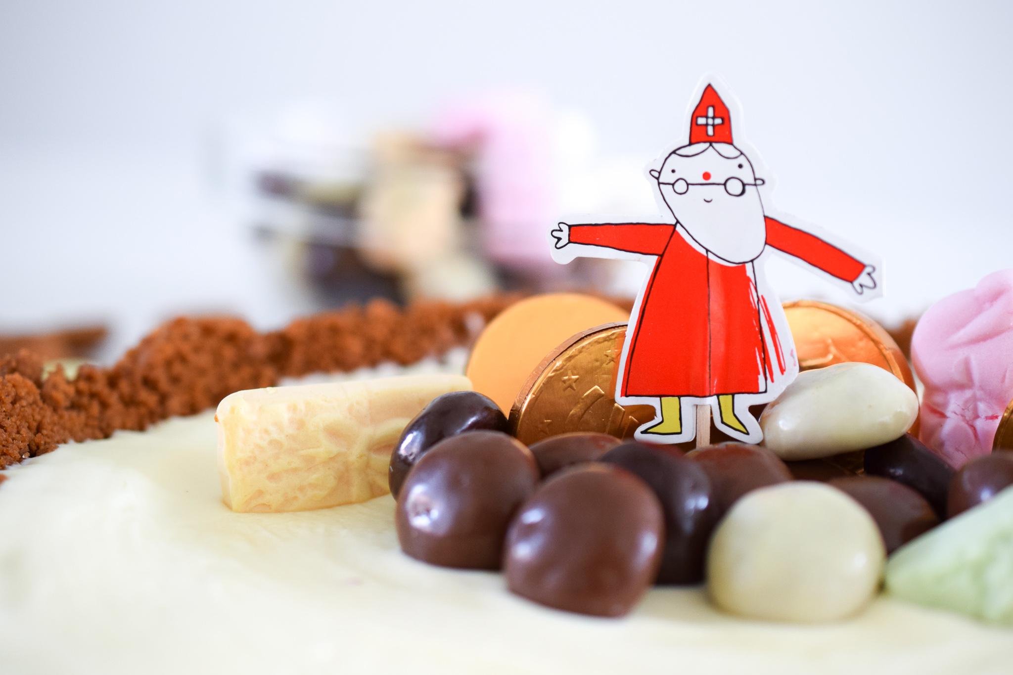 kruidnotentaart met witte chocolademousse